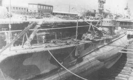 The submarine ALAGI in a dry-dock in Messina (Sicily) in 1941.</br>